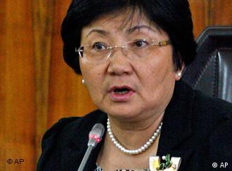 Otunbayeva seized power, but wants to establish democracy