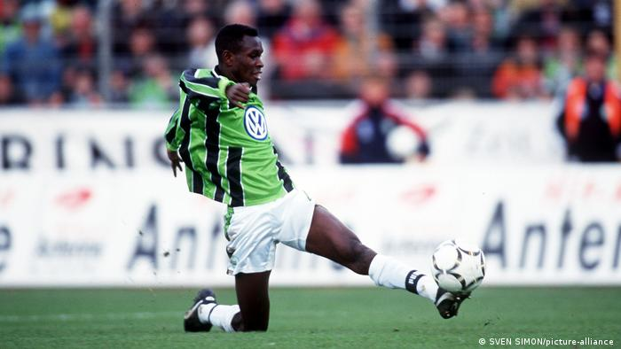 Charles Akonnor in action for Wolfsburg.