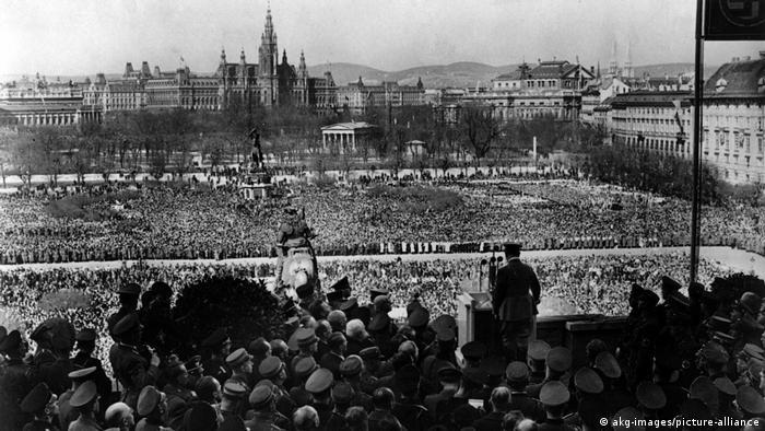 Österreich Neue Burg am Heldenplatz in Wien - Rede Hitler 1938 Anschluss