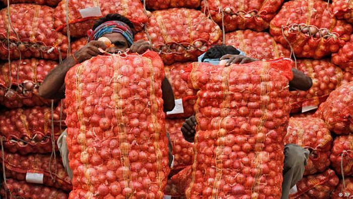 Zwiebeln Indien Markt Flash-Galerie (AP)