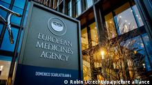 AMSTERDAM - The European Medicines Agency (EMA) comes with its verdict on the Oxford corona vaccine manufacturer AstraZeneca corona vaccine that they have made together. The vaccine is expected to be approved for use in the European Union. The Amsterdam-based EMA gives important advice. The final decision is up to the European Commission. ROBIN UTRECHT