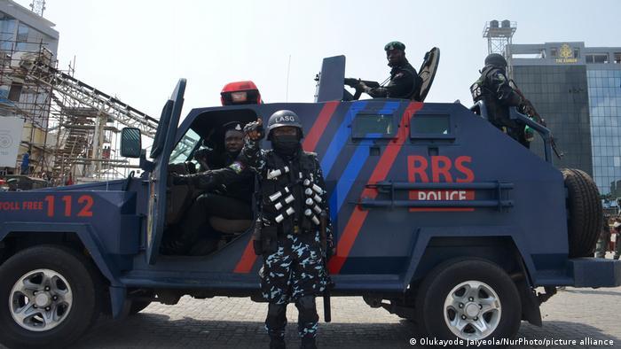Nigéria: Gangue explode muro de prisão e liberta centenas