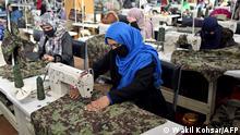 Afghanistan Textilfabrik beschäftigt Kriegswitwen