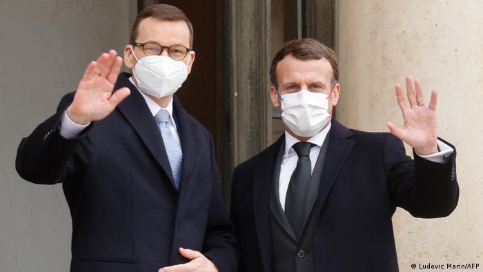 Premier Mateusz Morawiecki spotkał się z prezydentem Francji Emmanuelem Macronem