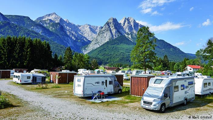 Caravanas en un camping de la estación de Zugspitze, en Alemania.