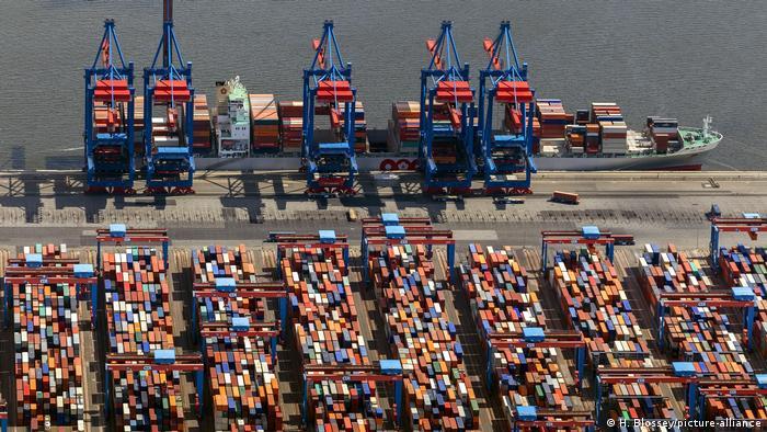 Hamburg, Hafen | HHLA Logistics Container Terminal Tollerort am Hamburger Hafen