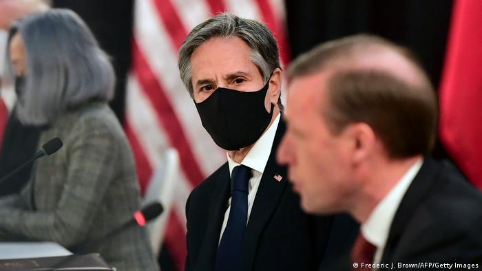 Alaska, Anchorage - US-Sicherheitsberater Jake Sullivan neben Außenminister Antony Blinken