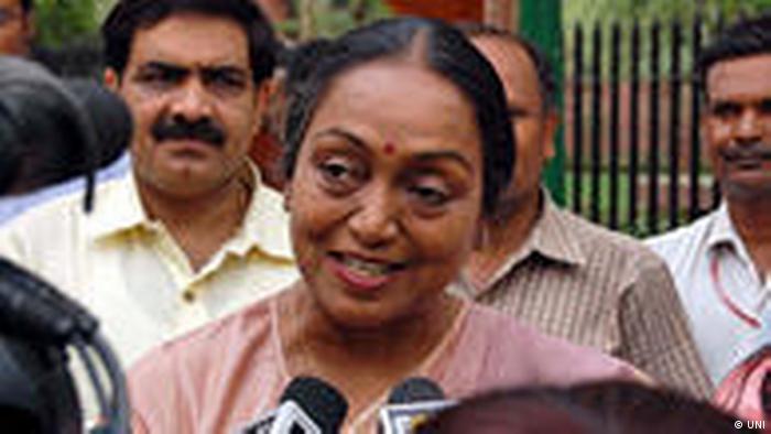 Die Sprecherin des indischen Parlamentes Meira Kumar im Gespräch mit der Presse in Neu Delhi (UNI)