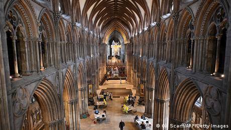 BdTD Großbritannien Kathedrale von Lichfield als temporäres Impfzentrum