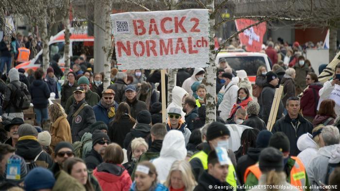 Schweiz Protest gegen Corona-Maßnahmen