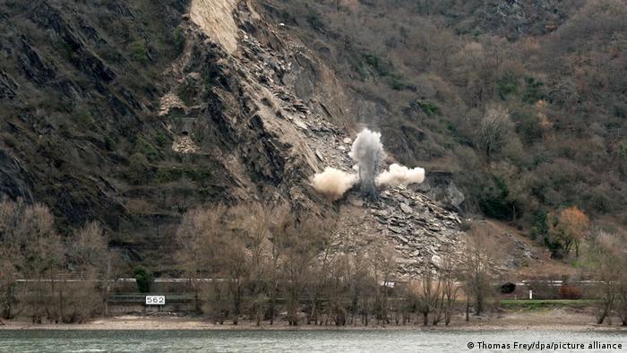 Взрыв в ходе аварийных работ на Среднем Рейне