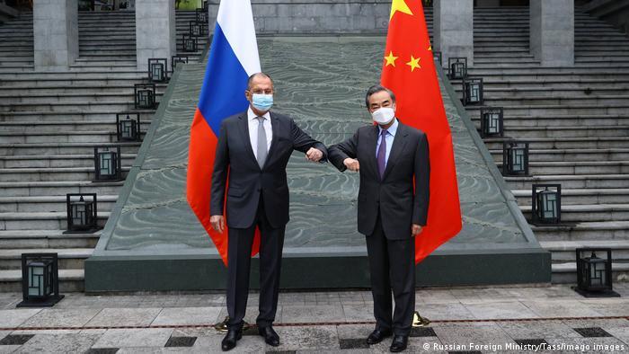 Sergej Lavron i Wang Yi