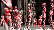 Deutschland Kunst-Aktion von Dennis Josef Meseg in Köln