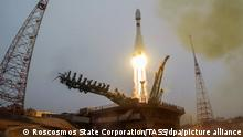 KYZYLORDA REGION, KAZAKHSTAN - MARCH 22, 2021: A Soyuz-2.1a rocket booster with a Fregat upper stage block carrying 38 satellites from 18 countries blasts off from a launch pad of Baikonur Cosmodrome. The rocket has delivered to orbit South Korea's CAS500-1 remote sensing satellite, Japan's ELSA-d space junk disposal satellite, Japan's GRUS satellites, Saudi Arabia's NAJM-1 Earth-observation satellite, communications satellites of Berlin Technical University, NIU-VShE-DZZ (CubeSX-HSE), the first spacecraft of National Research University - Higher School of Economics, CubeSX-Sirius-HSE, a spacecraft of the Sirius Center and National Research University - Higher School of Economics, the Orbikraft-Zorky satellite of Russia's Sputniks Company and others. Best quality available. Press Office of the Roscosmos State Corporation/TASS THIS IMAGE WAS PROVIDED BY A THIRD PARTY. EDITORIAL USE ONLY