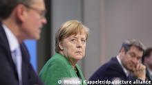 Kanselir Jerman Angela Merkel mengumumkan langkah-langah lockdown lebih ketat selama periode libur Paskah