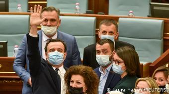 Kosovo Albin Kurti als neuer Regierungschef bestätigt