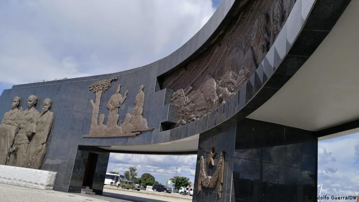 Angola Cuito Cuanavale Gedenkstätte Marmorstruktur