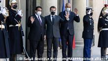 Frankreich Emmanuel Macron und Mohammad Younes Menfi