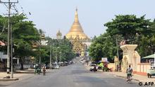 Myanmar Yangon Shwedagon Pagode   stiller Protest gegen Militärputsch