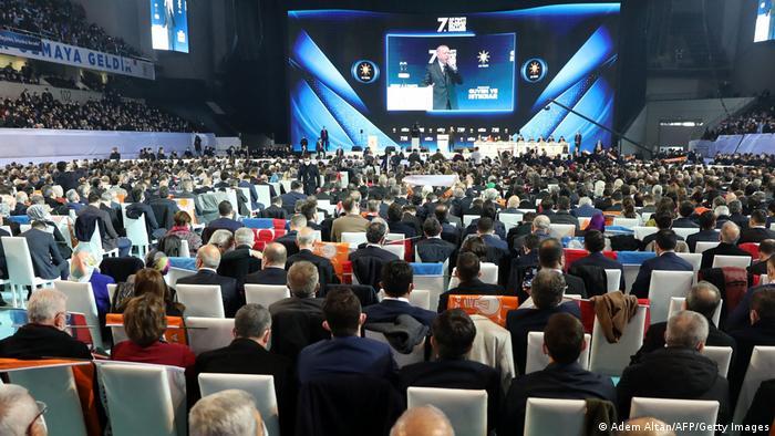 Potentielle Superspreader-Events: Parteitage der AKP