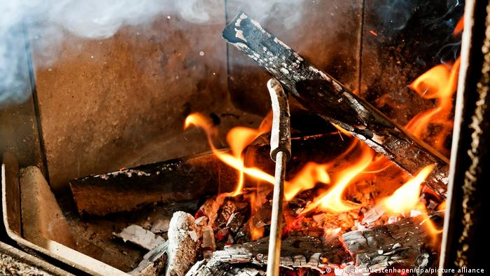 Symbolbild I Redewendung Eisen im Feuer