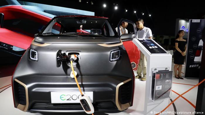 سری الکتریکی بااوجون ساخت چین که محصول مشترک SAIC، وولینگ و جنرال موتورز است با فروش ۴۷ هزار و ۷۰۴ دستگاه در رتبه نهم قرار گرفت.