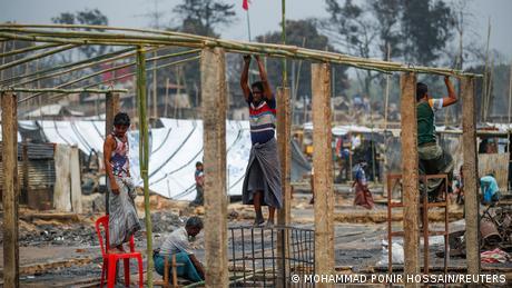 Bangladesch Großbrand in Rohingya Flüchtlingscamp - Hunderte vermisst