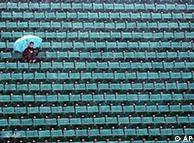 Погода в Германии не радует ни футболистов, ни болельщиов
