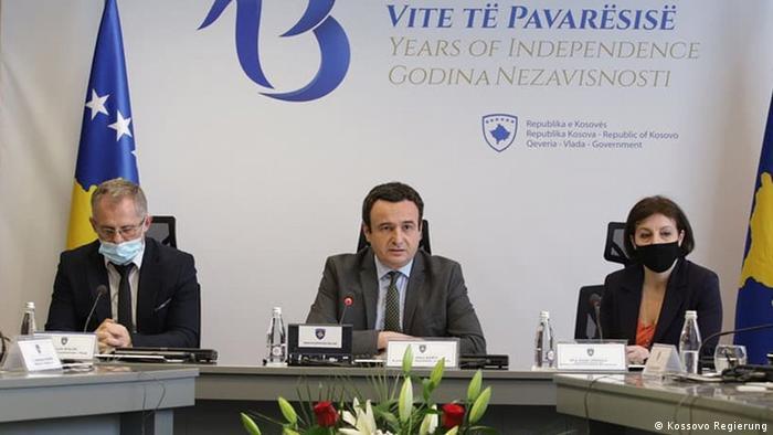 Kossovo Regierungssitzung mit dem Ministerpräsidenten Albin Kurti und Außenministerin Donika Gerwalla