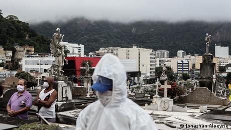 Bildergalerie Brasilien Coronavirus   Reportage Jonathan Alpeyrie   Rio de Janeiro