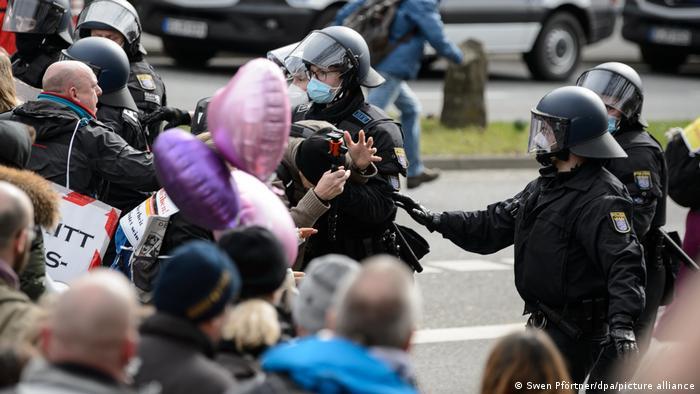 Demonstracije protiv korona-mjera u Kasselu