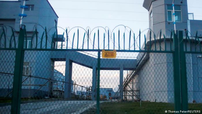 Tableau   Xinjiang - Baumwollanbau   Uighren   25.03.2021