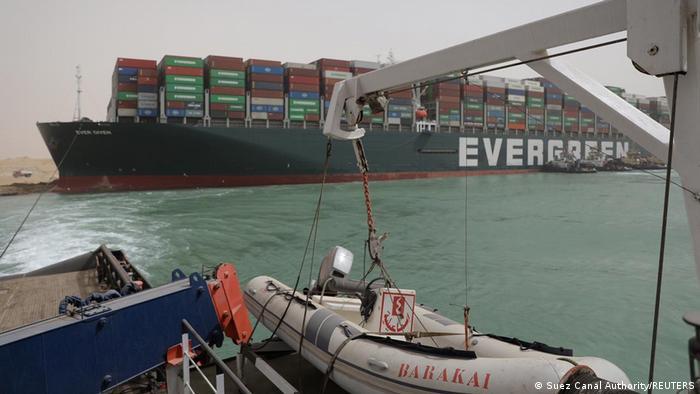 Ägypten Suezkanal - Containerschiff Ever Given blockiert
