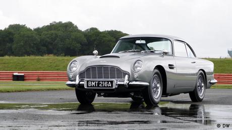 REV Vintage Aston Martin