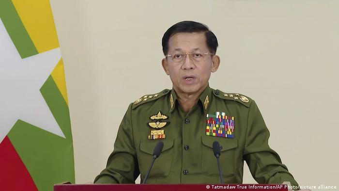 Jenderal Min Aung Hlaing, memimpin junta militer di Myanmar