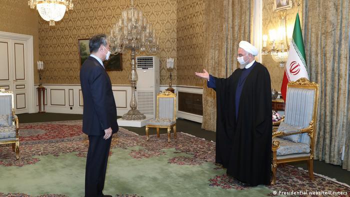 حسن روحانی و وانگیی، وزیر خارجه چین