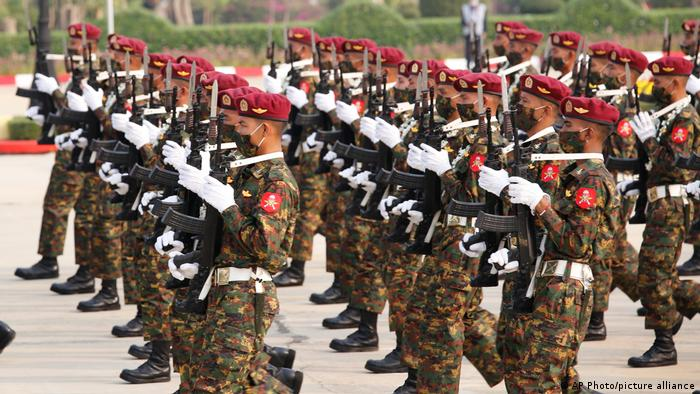 Myanmar |nach Militärputsch | Tag der Streitkräfte