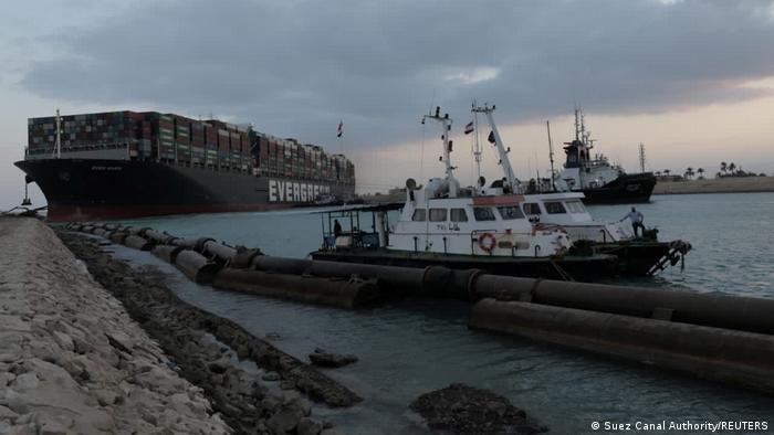 Ägypten Sueskanal - Containerschiff Ever Given blockiert