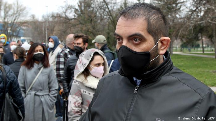 Qytetarët presin vaksinimet në Nish