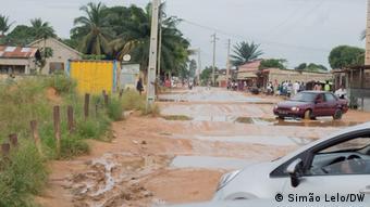 Angola Cabinda |Bau von Zufahrtsstraße
