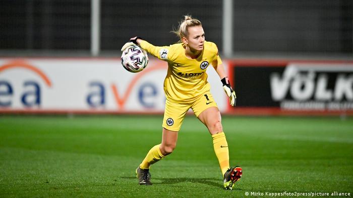 Fußball   Frauen-Bundesliga   Bayer 04 Leverkusen - Eintracht Frankfurt   Merle Frohms