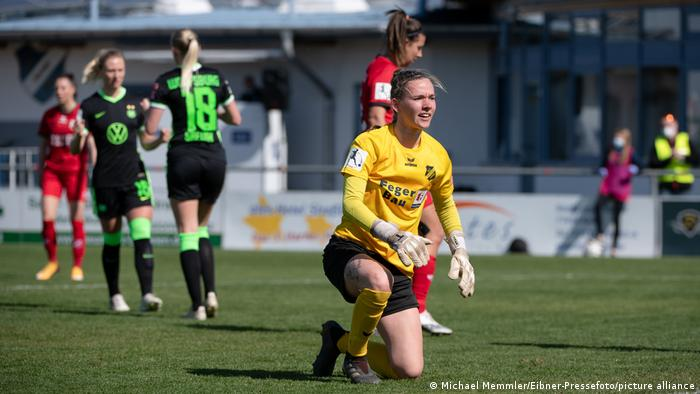 Fußball   Frauen-Bundesliga   SC Sand - VfL Wolfsburg   Jasmin Pal