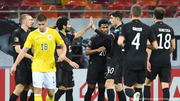 Сборная Германии по футболу после гола Сержа Гнабри