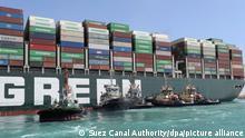 Ägypten Containerschiff blockiert Suezkanal Ever Given