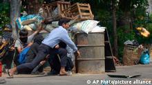 Myanmar Yangon | Proteste gegen die Militärregierung