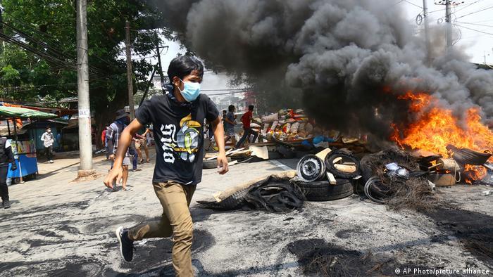Demonstrasi di Yangon