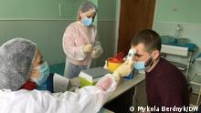 Ukraine Kiew | Nestor Maljartschuk vor der Impfung