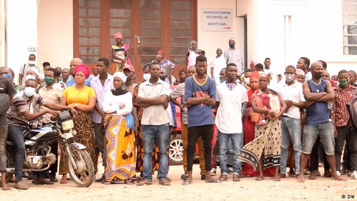 Mosambik   Binnenvertriebene verliehen von Palma nach Pemba