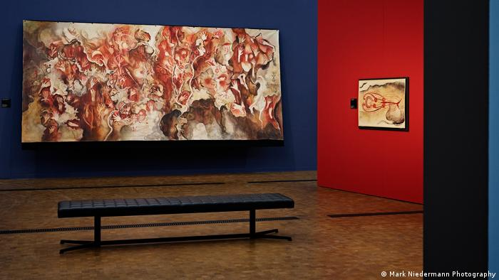 Ein Foto von der Ausstellung Kunst der Vorzeit – Felsbilder der Frobenius-Expeditionen, die bis zum 11. Juli 2021 im Museum Rietberg in Zürich zu sehen ist.