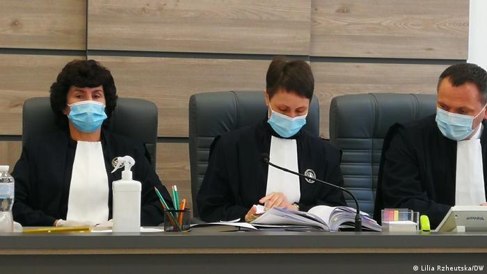 Судове засідання у справі телеканалів Медведучка пройшло спокійно